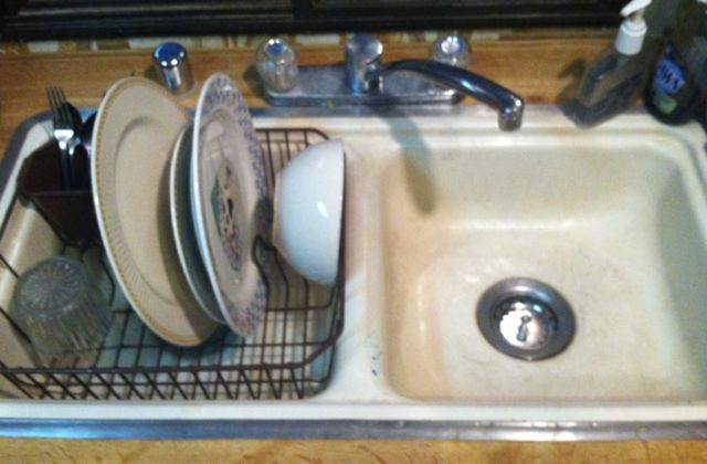 clean dishes sink