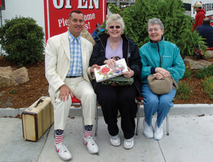 Steve Weber (Forrest Gump lookalike) meets his Aunts Dolly (center) and Teresa (right) at Bubba Gump Shrimp restaurant in Monterey CA