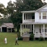 Jenny returns home to Greenbow and reunites with Forrest