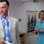Forrest arrives at Jenny's apartment and looks around