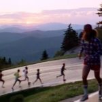 Forrest gets more and more follower when he's running across America